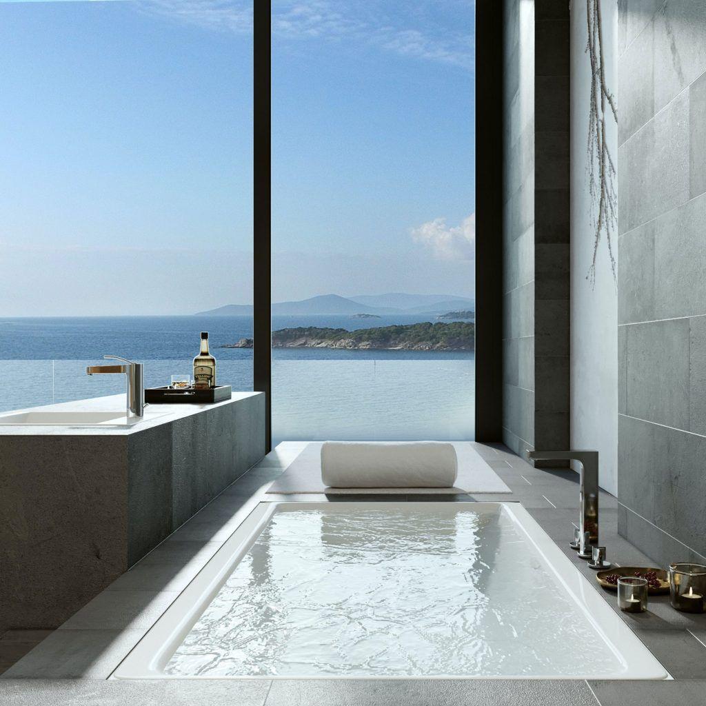 Baño lujoso con vistas al mar